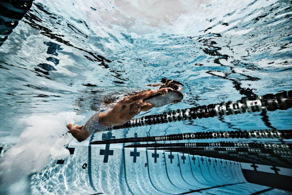 The Best Overall Kickboard for Swimming: Speedo Team Kickboard kicking