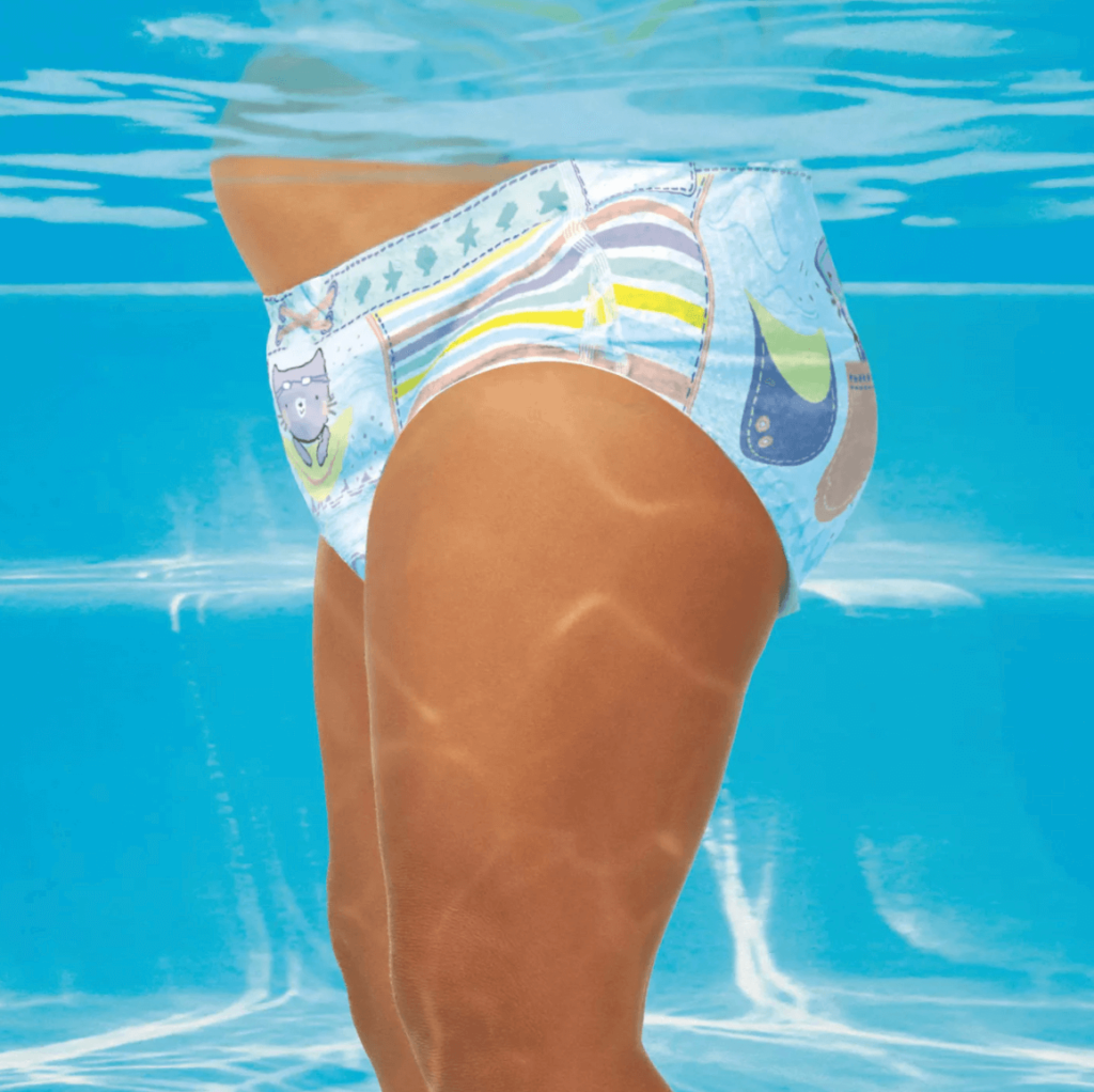 Best Disposable Diaper for Swimming: Pampers Splashers Disposable Swim Pants underwater