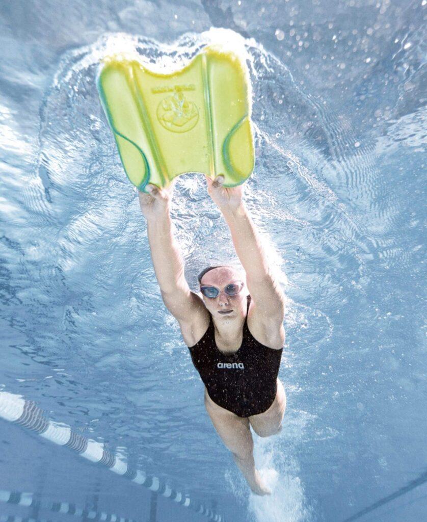 Best Pull Buoy Kickboard for Swimming: Arena Pull Kick Underwater